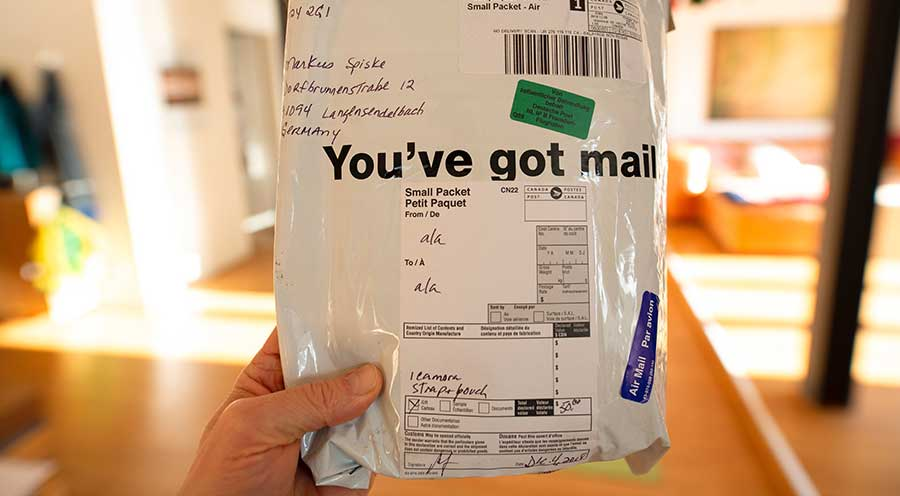 海外からの小包