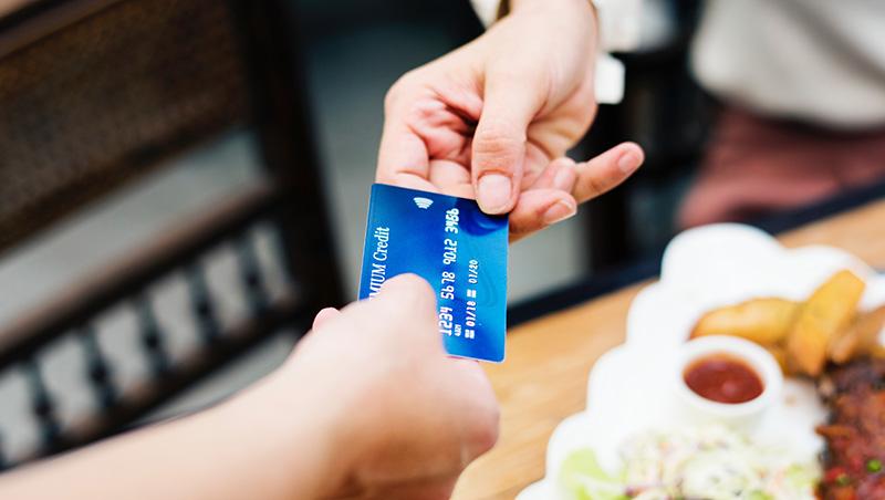 クレジットカード社会