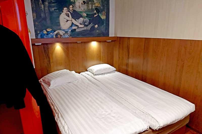 オメナホテル、ベッド