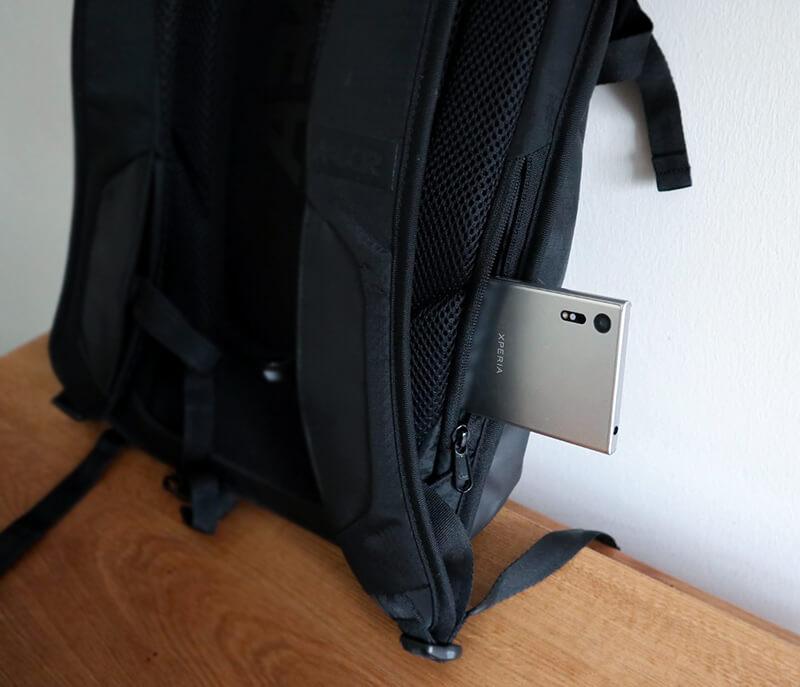 スマートフォン用のポケット