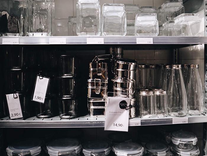 多種多様な保存容器