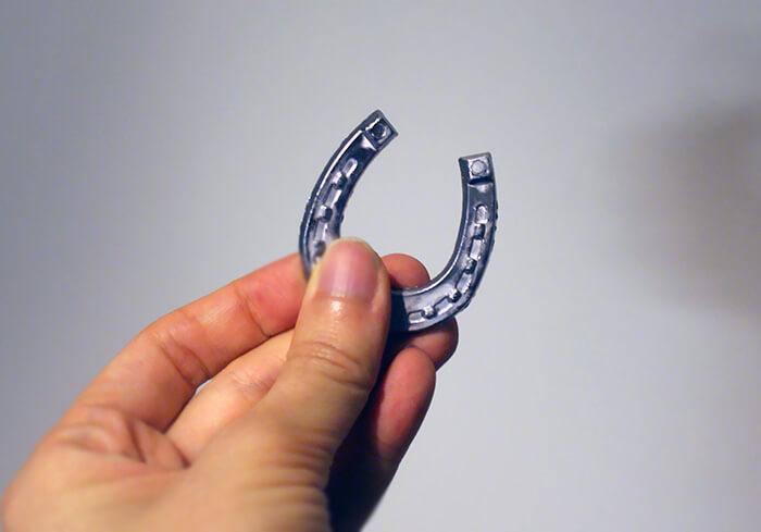 馬蹄形の錫(tina)